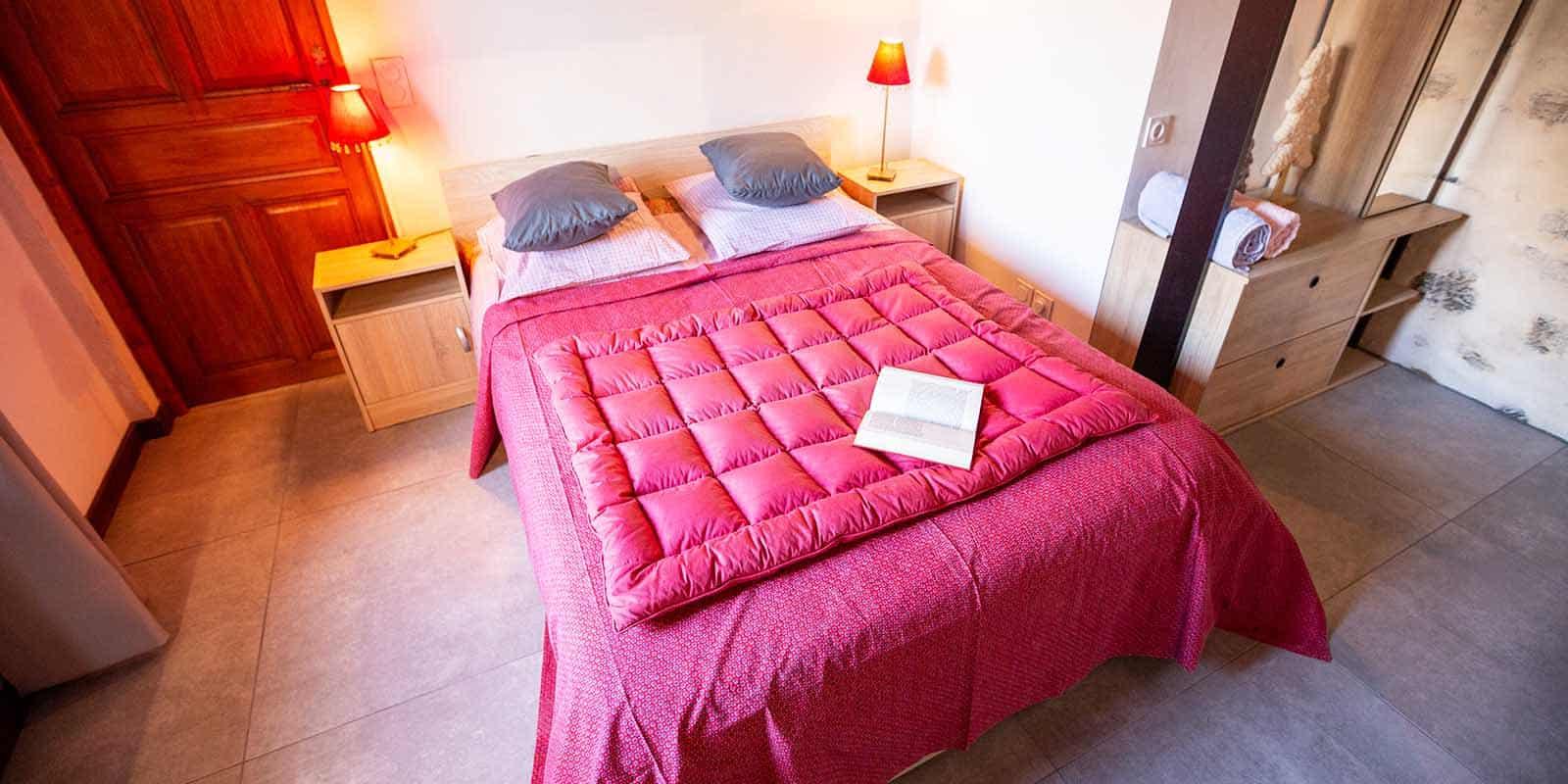 Le grand lit de la chambre Lauranne